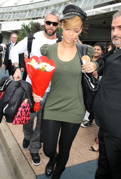 Rihanna Scoopneck Sweater