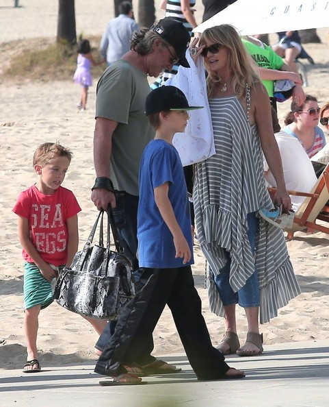 Goldie Hawn & Kurt Russell Spend The Day With Their Grandkids On The Beach In Santa Monica