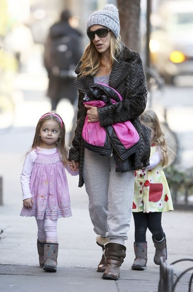 More Pics of Sarah Jessica Parker Fur Coat (1 of 12) - Sarah Jessica Parker Lookbook - StyleBistro