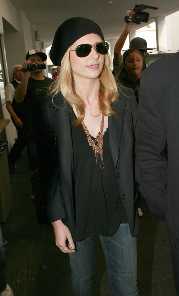 Sarah Michelle Gellar Aviator Sunglasses