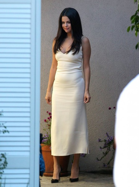 selena gomez cocktail dress selena gomez looks stylebistro