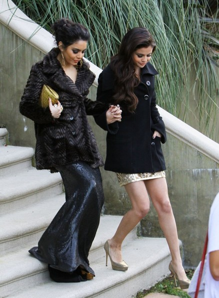 More Pics of Vanessa Hudgens Wool Coat (4 of 30) - Wool Coat Lookbook - StyleBistro