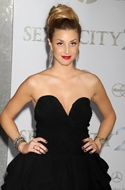 The City star Whitney Port showed off her glamorous diamond dangle earrings on the red carpet.