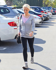 Holly Madison showed off her newly slimmed down figure in a pair of tight black leggings.