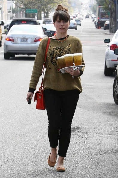 More Pics of Sophia Bush Leather Shoulder Bag (3 of 18) - Sophia Bush Lookbook - StyleBistro