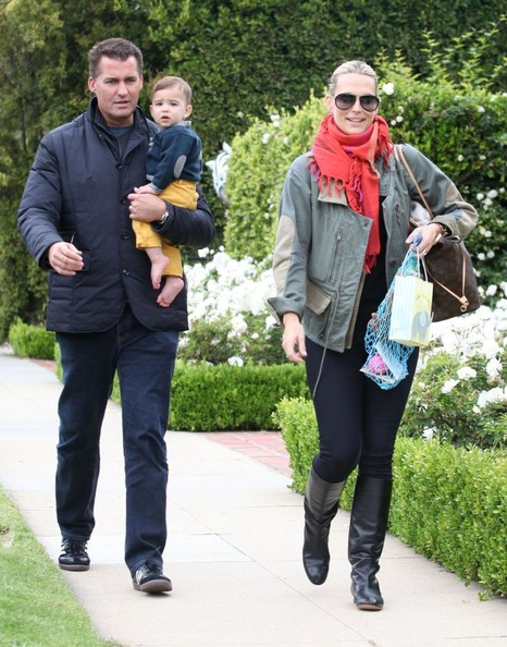 More Pics of Molly Sims Solid Scarf (3 of 7) - Molly Sims Lookbook - StyleBistro