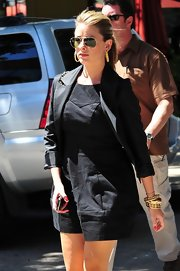 Lauren paired her black blazer with a classic pair of aviator shades.