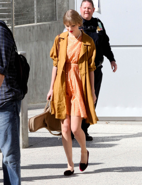 More Pics of Taylor Swift Bobby Pinned Updo (1 of 10) - Taylor Swift Lookbook - StyleBistro