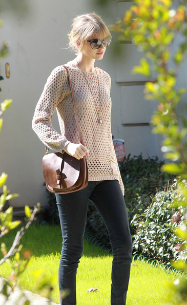 More Pics of Taylor Swift Boatneck Sweater (1 of 5) - Taylor Swift Lookbook - StyleBistro