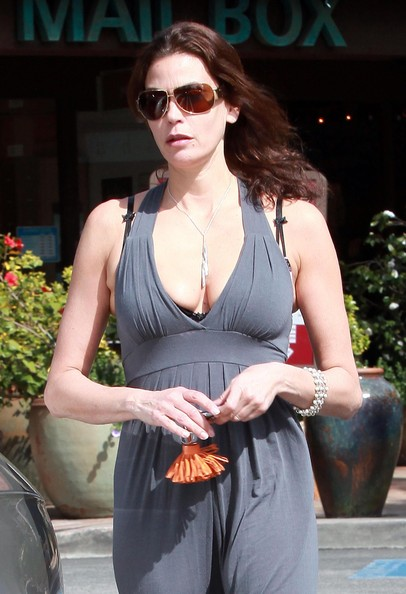 Teri Hatcher Oversized Sunglasses