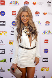 Havana Brown carried a chic structured clutch during the 2010 Aria Awards.