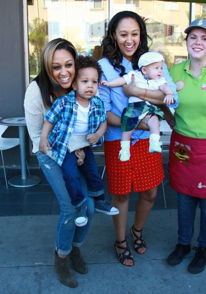 More Pics of Tia Mowry Knee Length Skirt (1 of 16) - Tia Mowry Lookbook - StyleBistro