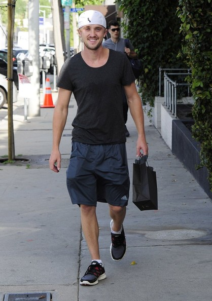 More Pics of Tom Felton T-Shirt (1 of 7) - Tom Felton Lookbook - StyleBistro