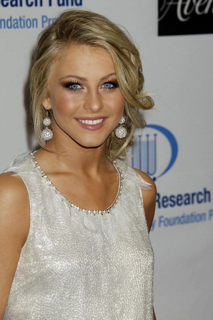 more pics of julianne hough pinned up ringlets 1 of 15