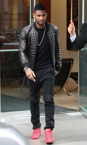 Usher chose a quilted leather jacket for his uber-cool daytime look while out in NYC.