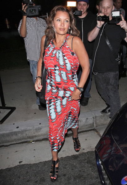 More Pics of Vanessa Williams Leather Hobo Bag (1 of 8) - Vanessa Williams Lookbook - StyleBistro