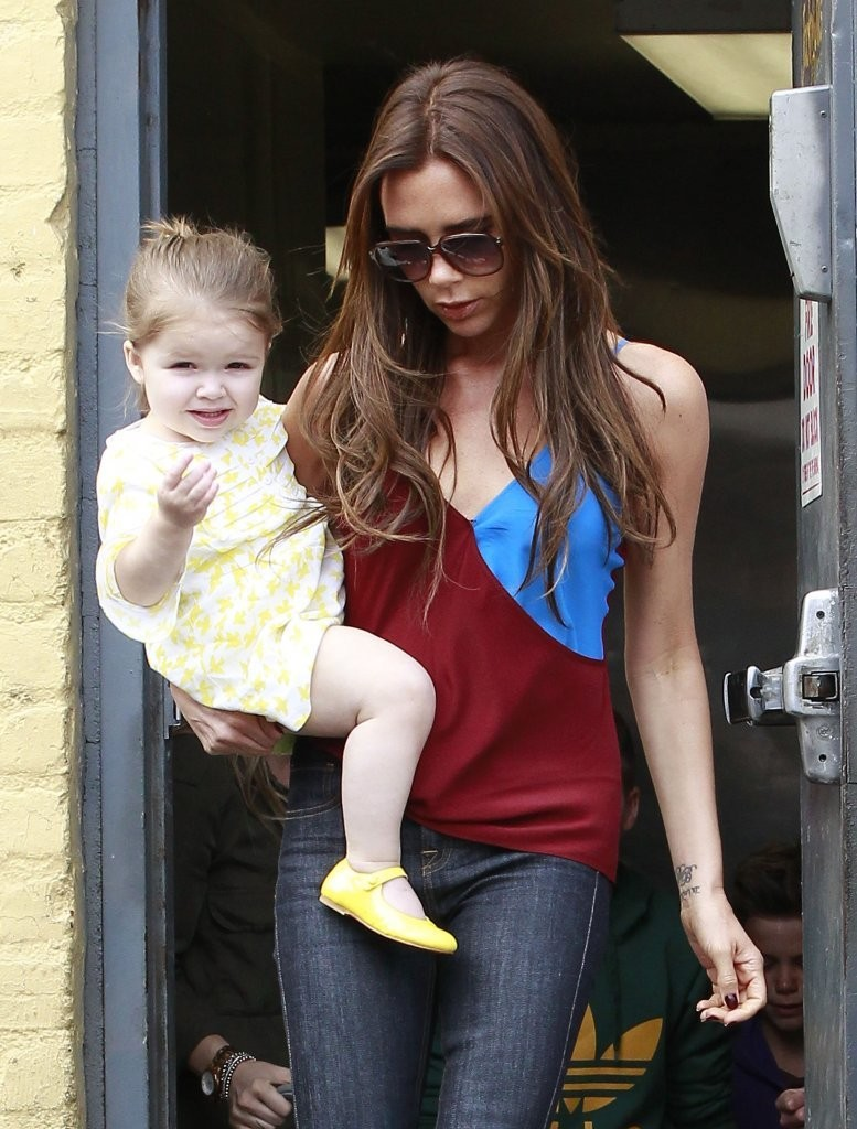 Singer Victoria Beckham takes her kids to breakfast with friends at Jack & Jill's Restaurant on April 4, 2013 in Beverly Hills, California.