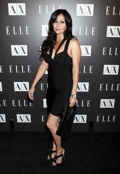 Shannen wore a classic watch with her all-black red carpet ensemble. The versatile style takes the accessory from day to night.