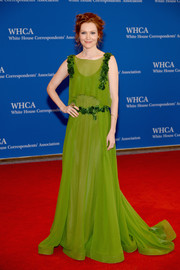 Darby Stanchfield looked enchanting in an embroidered green chiffon gown by Alberta Ferretti during the White House Correspondents' Association Dinner.