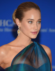 Hannah Davis looked downright elegant wearing this classic bun at the White House Correspondents' Association Dinner.