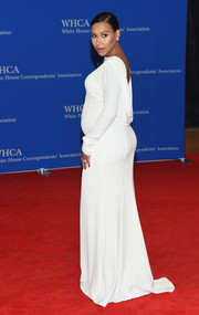 Naya Rivera showed her sultry pregnancy style with this backless white gown by Tadashi Shoji at the White House Correspondents' Association Dinner.