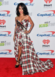 Jada Pinkett Smith got into the holiday spirit with this flowing plaid gown by Gucci during 102.7 KIIS FM's Jingle Ball 2017.