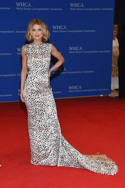 AnnaLynne McCord looked vibrant at the White House Correspondents' Association Dinner in an Ingie Paris star-print gown with a long train.