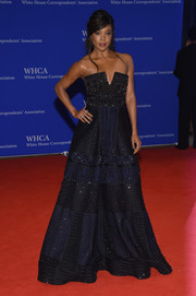 Gabrielle Union sparkled so elegantly in an embellished two-tone-strapless gown by Naeem Khan at the White House Correspondents' Association Dinner.
