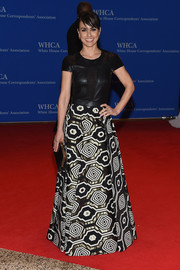 Constance Zimmer went for mod glamour in a Gomez-Gracia gown with a leather bodice and a geometric-patterned jacquard skirt at the White House Correspondents' Association Dinner.