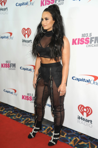More Pics of Demi Lovato High-Waisted Pants (6 of 7) - Demi Lovato Lookbook - StyleBistro