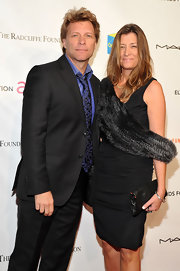 Dorothea Hurley arrived at an Elton John AIDS Foundation charity event donning a luxurious black fur scarf.