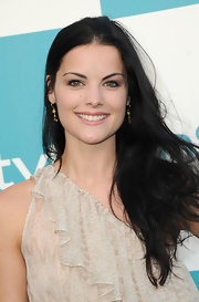 Jaimie Alexander shined at the 'InStyle' bash in intricate drop earrings.