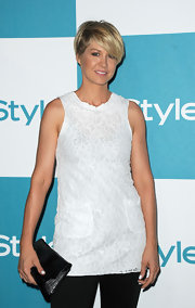 Jenna Elfman wore an adorable lacy white tunic at the 10th Annual 'InStyle' Summer Soiree.