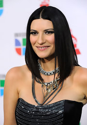 Laura Pausini was rocking a mess of different necklaces that all seemed to work together to create beautiful chaos.