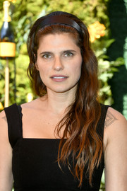 Lake Bell looked youthful wearing this long wavy 'do, complete with a headband, at the 2019 Veuve Clicquot Polo Classic Los Angeles.