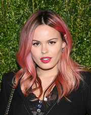 Atlanta de Cadenet looked oh-so-cool with her pink wavy 'do at the Chanel Tribeca Film Festival Artists Dinner.