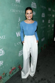 Lea Michele polished off her look with white wide-leg pants by Styland.