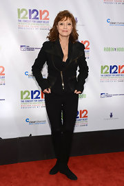 Susan Sarandon added some edgy to her wardrobe with this black motorcycle jacket with leather pockets and collar.