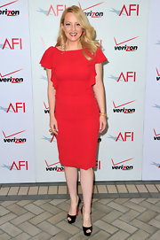 Wendi McLendon-Covey wore an 18-carat rose gold and diamond cuff at the 12th Annual AFI Awards.