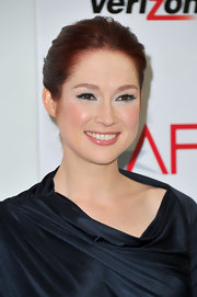 Ellie Kemper wore rich midnight blue shadow and liner to create a smoky-eyed effect at the 12th Annual AFI Awards.