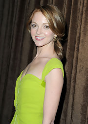 Jayma Mays, sported a low ponytail while attending the Costume Awards. Ponytails are always a classic hairstyle that is easy to achieve yet so elegant.