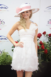 Model Marisa Miller looks good enough to eat in a sweet white strapless frock.