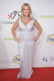 The center focused ruching on Vicki Gunlavson's evening dress was extremely flattering.