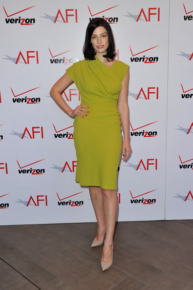More Pics of Jessica Pare Medium Straight Cut (1 of 4) - Shoulder Length Hairstyles Lookbook - StyleBistro