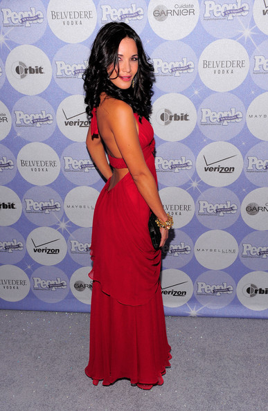 More Pics of Adriana Campos Long Curls (1 of 4) - Adriana Campos Lookbook - StyleBistro