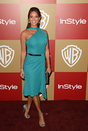 Eva la Rue looked downright fab in her teal halter dress at the Golden Globes after-party.