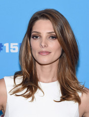 Ashley Greene showed off a perfectly styled 'do with wavy ends and lots of volume during the Ideas with Mr. Clean event.