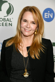 Lea Thompson wore her hair down in choppy layers at the Global Green pre-Oscars party.