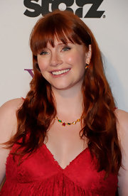Bryce Dallas Howard wore her lovely red locks in casual waves at the 15th Annual Hollywood Film Awards gala.