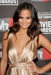 Chrissy Teigen donned an ultra sexy frock for the Critics' Choice Awards. She paired the look with dramatic smoky eyes.